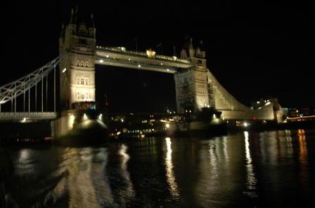09.12.2008 Gece nehir teknesi çekimim...