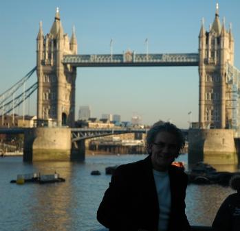 Londra Köprüsü... Tower Bridge...